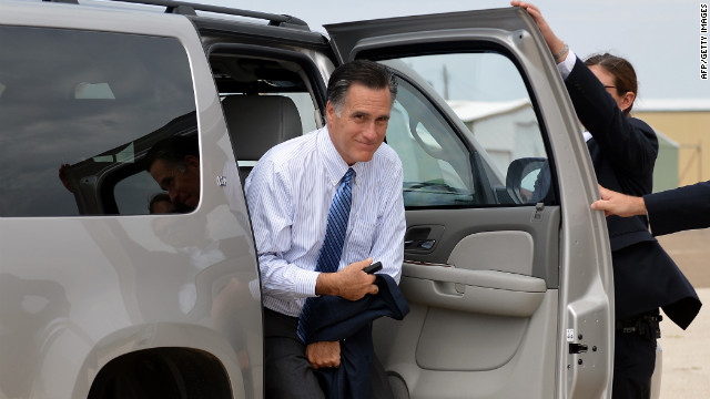 US Republican presidential candidate Mitt Romney arrives to board his campaign plane at Lea County Regional Airport in Hobbs, New Mexico, on August 23, 2012. Romney is in New Mexico to unveil his energy plan, which aims at energy independence for North America by 2020. AFP PHOTO/Jewel Samad (Photo credit should read JEWEL SAMAD/AFP/GettyImages) 