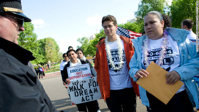 Immigration lawsuit revives DREAM Act debate