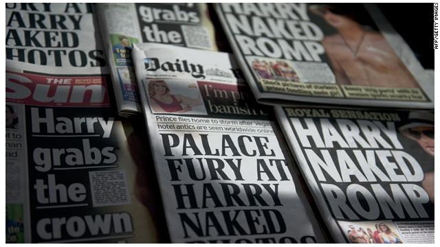 "Tabloide británico ""The Sun"" publica fotos del príncipe Enrique desnudo"