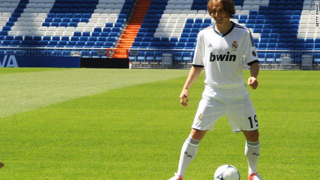 Luka Modric llega del Tottenham al Real Madrid por 50 millones de dólares