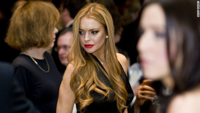 Lindsay Lohan charged with leaving accident scene