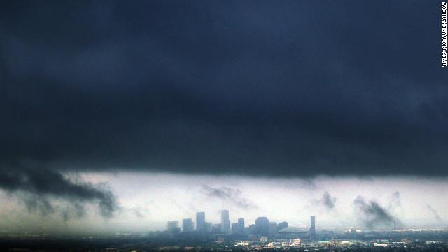 """Una persona muere por la tormenta """"Isaac"""" en Estados Unidos"""