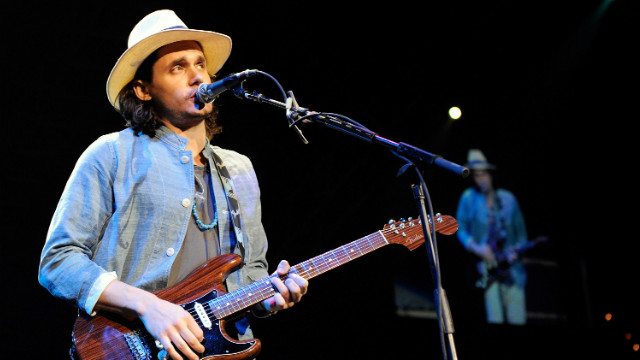 John Mayer sings live for a good cause