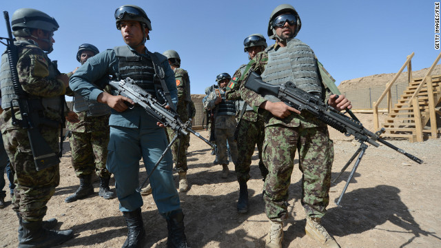 ISAF: US temporarily halts training of Afghan police over attacks