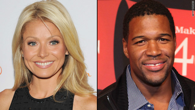 Michael Strahan joins Kelly Ripa on 'Live!'