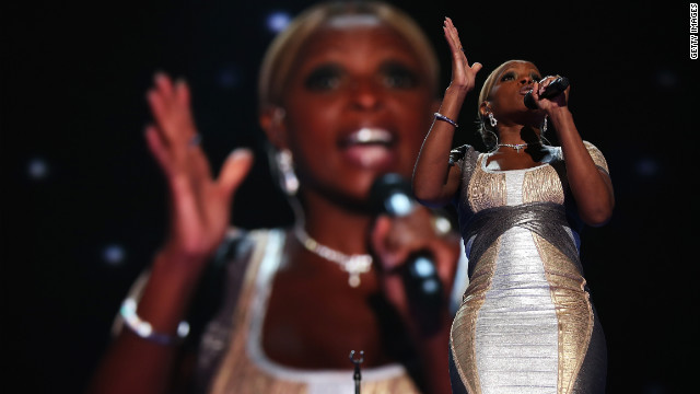 Singer, songwriter, producer and actress Mary J. Blige performed Thursday, singing a a rendition of U2's &quot;One&quot; and lit up the Twitter-sphere when she quoted her song, &quot;Family Affair,&quot; &quot;Let's get it crunk for President Obama for four more years.&quot;