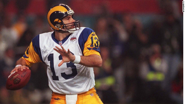 Kurt Warner Drops Back To Pass In Super Bowl XXXIV A Game His St Louis Rams Defeated The Tennessee Titans