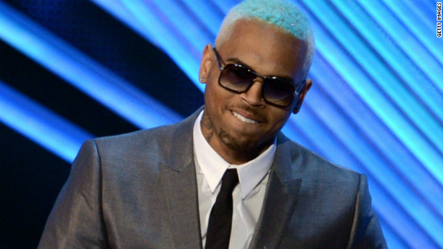 Singer Chris Brown will have a probation violation hearing on Novermber 1 after he tested positive for marijuana use.