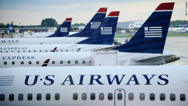 Federal officials say US Airways flew a jet 916 times after failing to perform required tests and an inspection.