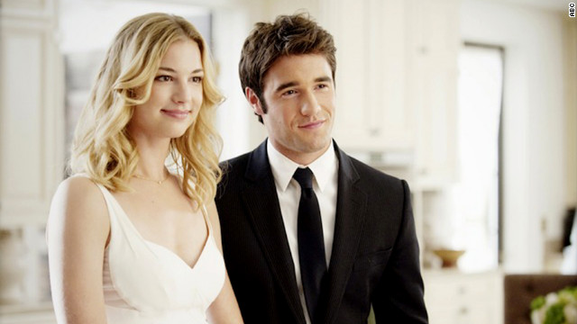 "It's not exactly smooth sailing for Emily and Daniel on ABC's ""Revenge,"" but the actors who play them seem to be getting along just fine. Emily VanCamp and Josh Bowman have been<a href='http://www.justjared.com/2012/06/14/emily-vancamp-joshua-bowman-poolside-pda/' target='_blank'> spotted smooching</a> in their swimsuits."