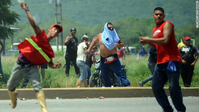 Estalla la violencia en un acto proselitista en Venezuela