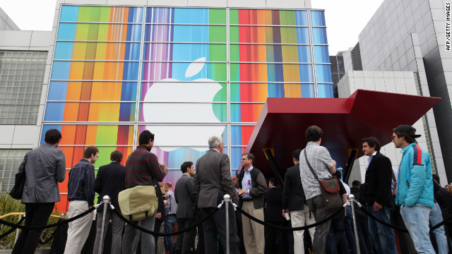 Journalists and attendees line up outside of the Yerba Buena Center for the Arts in San Francisco to attend Apple's special media event to introduce the iPhone 5 on Wednesday, September 12. The phone goes on sale in stores Friday.
