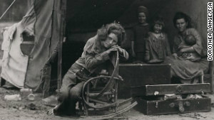  Florence Thompson, right, and her children were featured in Dorothea Lange\'s \
