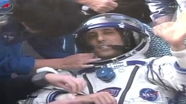 El mal tiempo demora el regreso de tres astronautas en la estación espacial