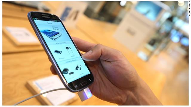 """El Samsung Galaxy S4 saldrá en febrero para """"enfrentarse"""" al iPhone 5"""