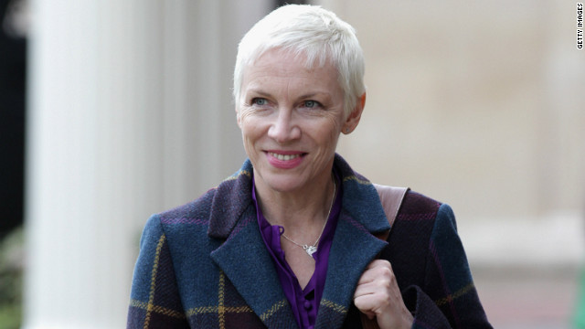 Annie Lennox ties the knot in London