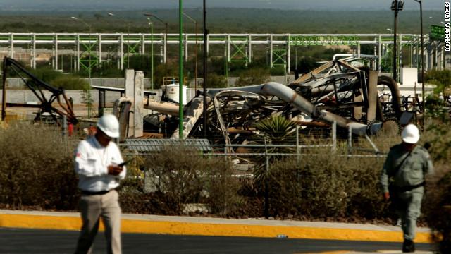 El número de muertos por incendio en refinería mexicana aumenta a 29