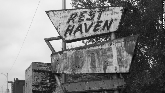 The Rest Haven Motel in Afton, Oklahoma, and other independent motels along the route provided travelers with a place to sleep on their long motor trips. 