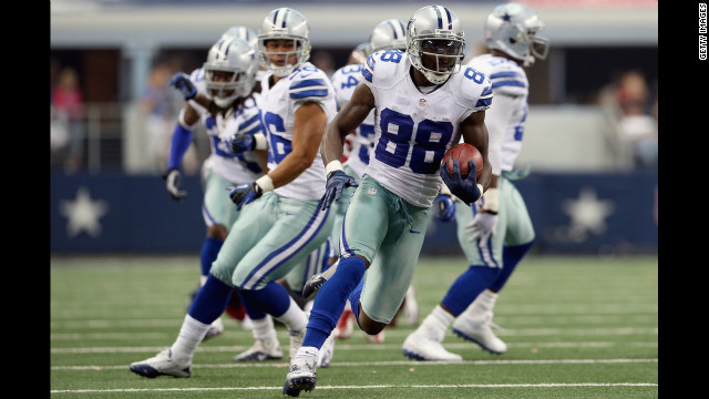 Dez Bryant of the Cowboys makes a 44-yard punt return Sunday against the Buccaneers.