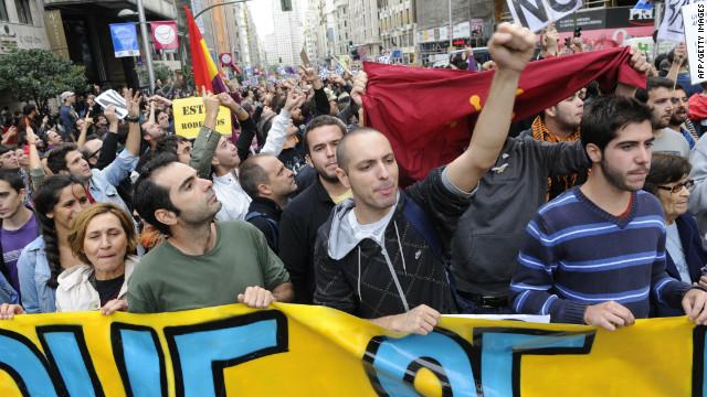 Manifestantes y policías se enfrentan en Madrid