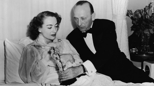 How much did Joan Crawford's 'Mildred Pierce' Oscar sell for?