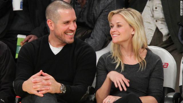 La actriz Reese Witherspoon da a luz a su tercer hijo