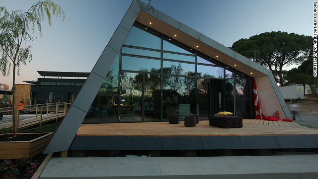 Fold, a house designed by students from the Technical University of Denmark, has walls and a ceiling with adjustable angles to maximize its solar panels' exposure to the sun.