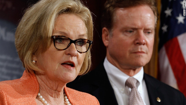 McCaskill: Akin so extreme, other conservative looks like a 'hippie'