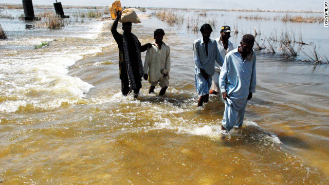 120929052733-pakistan-flood-wading-story-top.jpg