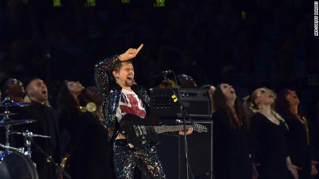 Muse regresa a sus orígenes en un nuevo disco, tras tres años de silencio