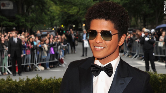 Bruno Mars releases single, prepares for 'SNL'
