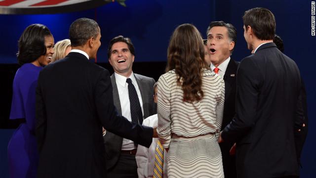 Los candidatos estadounidenses reanudan las campañas tras el sólido debate de Romney