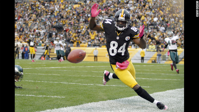 The Steelers' Antonio Brown drops a pass in the end zone Sunday.