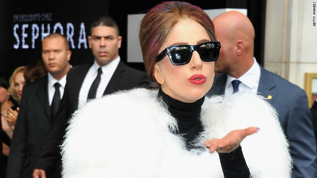 Lady Gaga pledges $1 million to Sandy relief