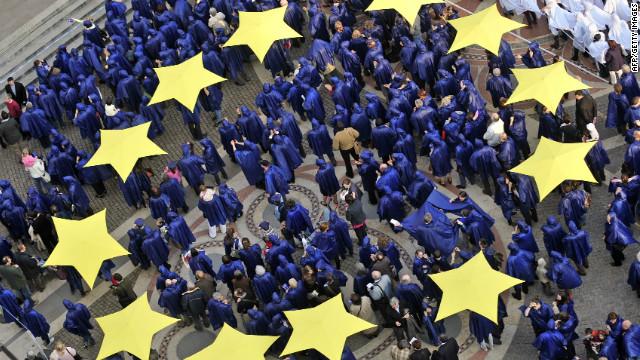 La Unión Europea recibe el Nobel de la Paz con un llamado a la unidad en medio de crisis