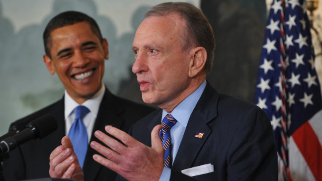 Specter announces that he will be switching from the Republican Party to the Democatic Party as President Barack Obama watches in April 2009.