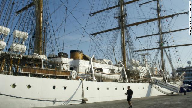 """Argentina ordena evacuar el buque """"Libertad"""" retenido en Ghana"""