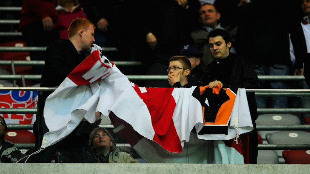  Around 2,500 England supporters traveled to Warsaw with the large majority of those returning home without seeing a single kick. England's players have promised to contribute $80,000 towards compensating supporters, while the Polish FA will refund tickets.