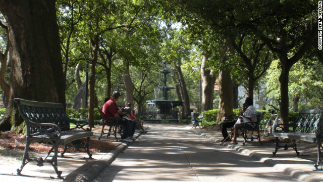 Designated a public space since 1824, Bienville Square features live oaks and a central fountain dating to 1890 that honors physician Dr. George Ketchum, who brought potable water to Mobile.