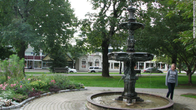 The Green's 17th-century tiered Italian fountain, with 21 spigots, was restored in 1992 by sculptor Clark Fitz-Gerald.
