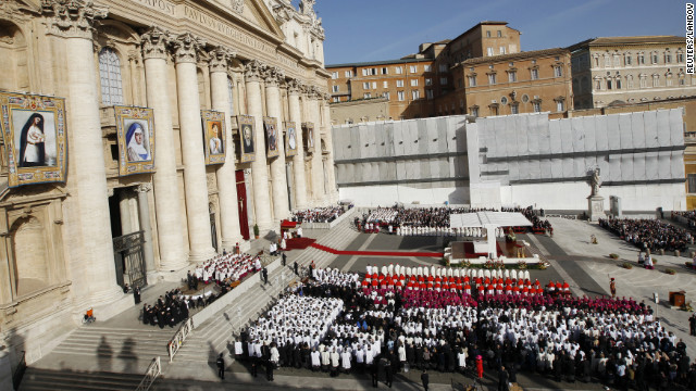 Pope canonizes 7 new saints
