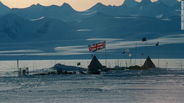 The British camp near Lake Ellsworth -- one of about 400 subglacial lakes in Antarctica. The team plan to use a specially-designed hot water drill to blast through the ice to the untouched waters 3 km (1.86 miles) below.