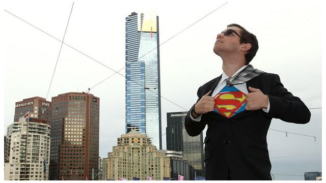"""Superman renuncia al """"Daily Planet"""", harto del mal periodismo"""