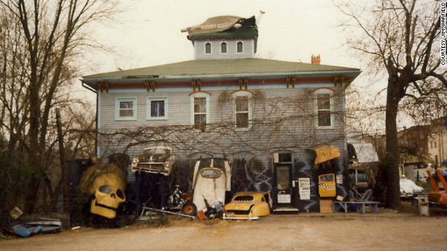 Raven's Grin Inn is a haunted mansion in the small Illinois town of Mount Carroll.