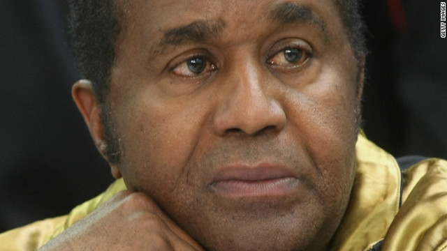 Famed boxing trainer Emanuel Steward dies in Chicago