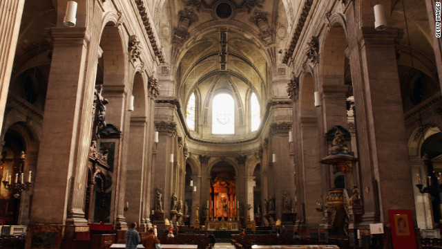 A trip to Paris is far from free, but the city does offer some great complimentary activities and services to cushion the dent in your wallet. Every Sunday the Left Bank church of Saint-Sulpice has an organ recital after the 10:30 a.m. Mass. The church's pipe organ tradition dates back to the mid-16th century.
