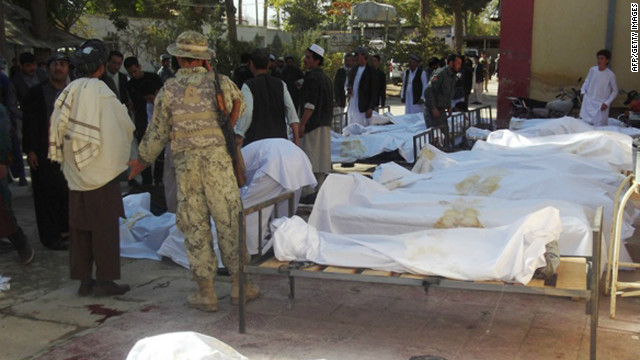 Un ataque suicida termina con la celebración de paz en mezquita afgana