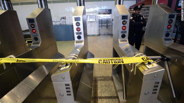 Miles de pasajeros están varados por Sandy