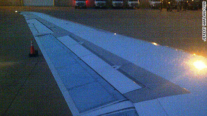 romney plane wing