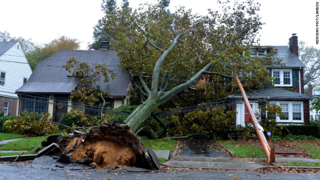 Need to Know News: Superstorm Sandy's overall death toll at 124; U.S. election officials scrambling after storm